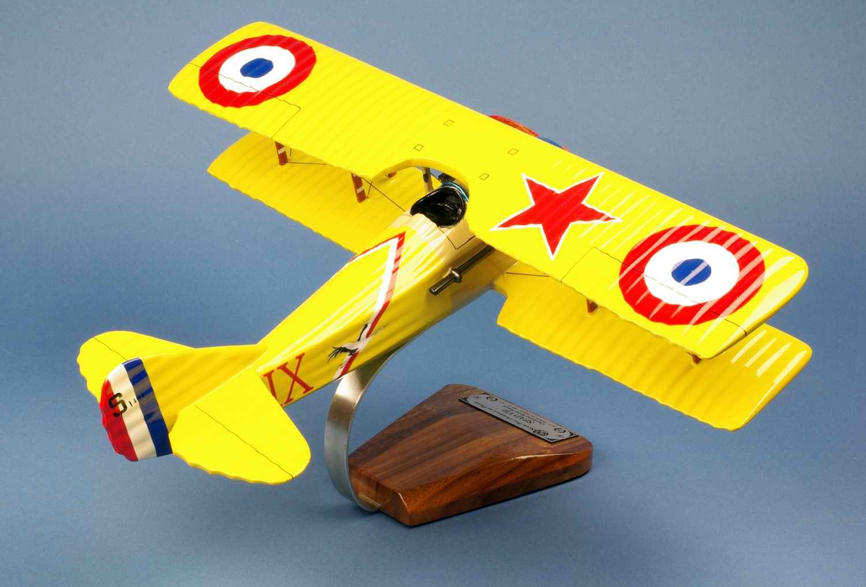Maquette avion Spad7 aux couleurs de l AS des AS Français Première guerre mondiale Aviation