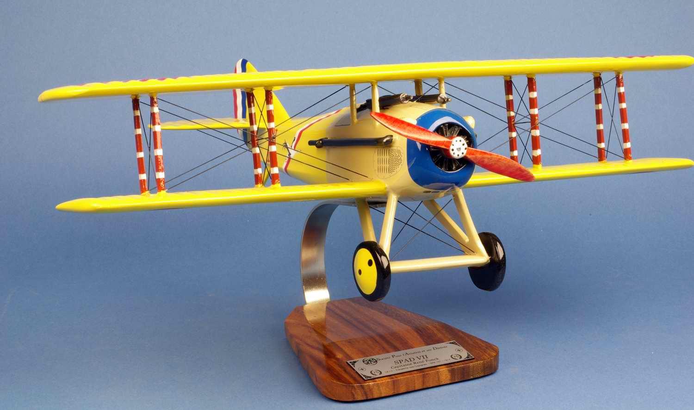 Maquette avion SpadVII aux couleurs de l AS des AS Français Première guerre mondiale Aviation