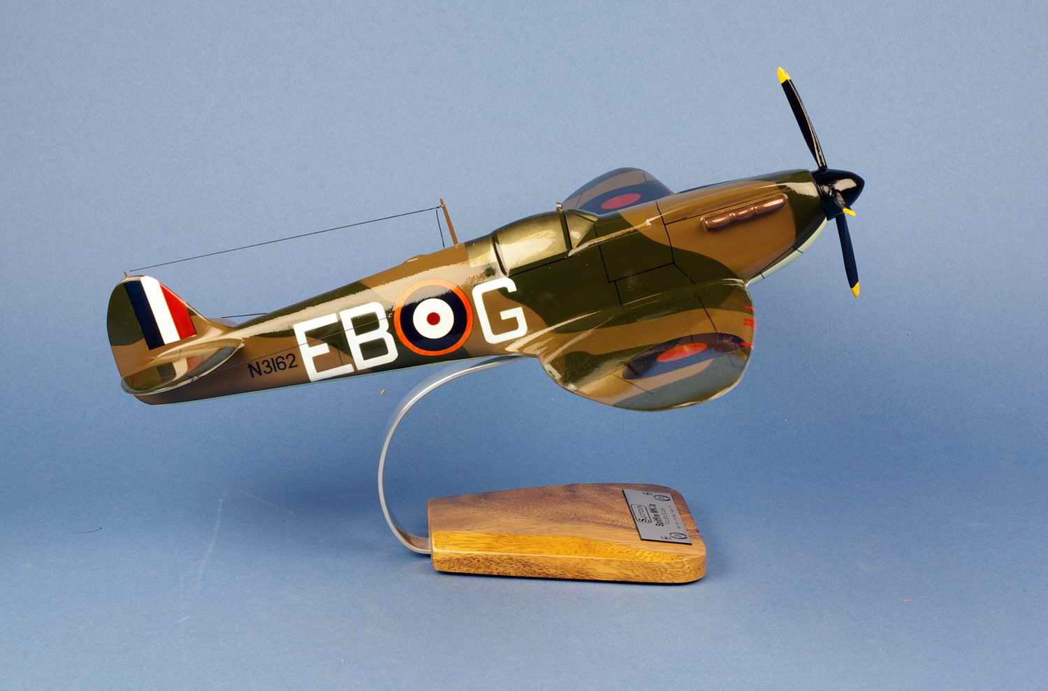 Maquette Avion SPITFIRE MKIA41 Squadron RAF Eric Stanley Lock ROYAL AIR FORCE 1/24
