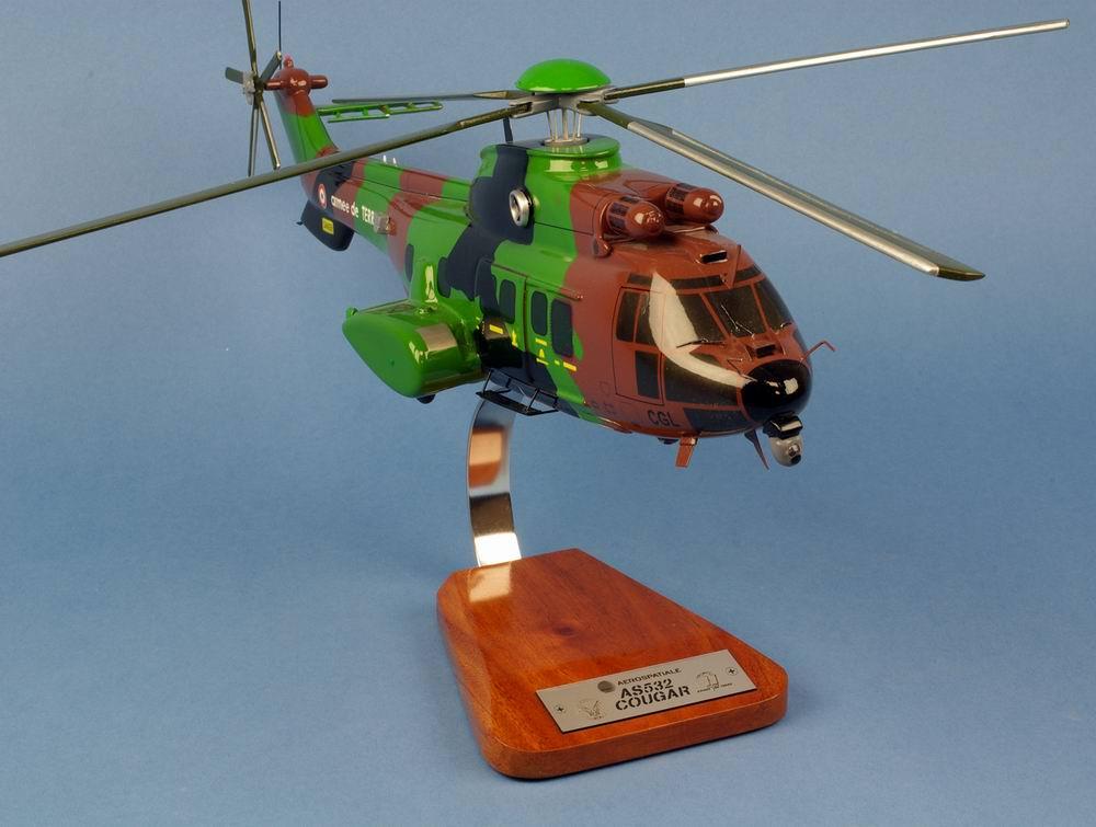 Maquette Hélicoptère CougarAS532