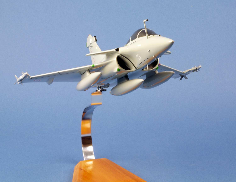 maquette Avion de chasse militaire RafaleM Flottille