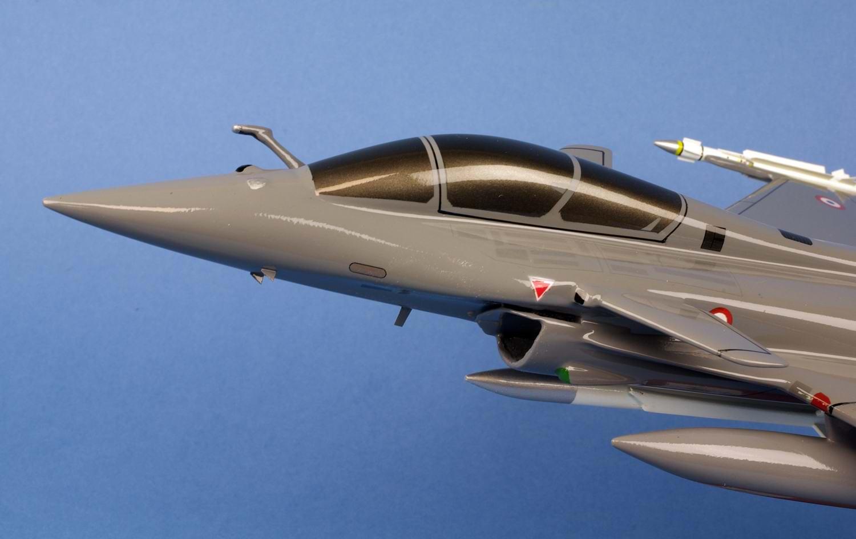 maquette Avion de chasse militaire supersonique Rafale B