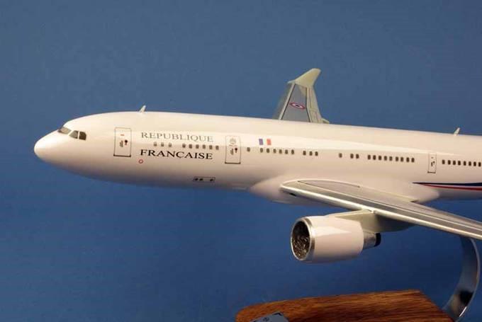 AIRBUS A330-2223 Présidentielle République Française FRANCE 1/125