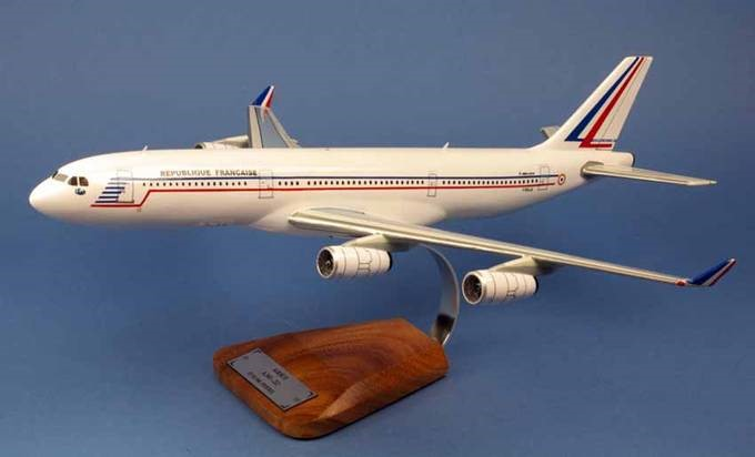 AIRBUS A340-212 ET03/60 Esterel République Française FRANCE 1/125