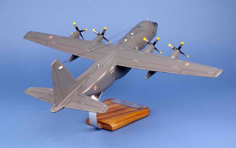 Maquette Avion LOCKHEED C130H-30 Hercules ARMEE DE L'AIR 1/80