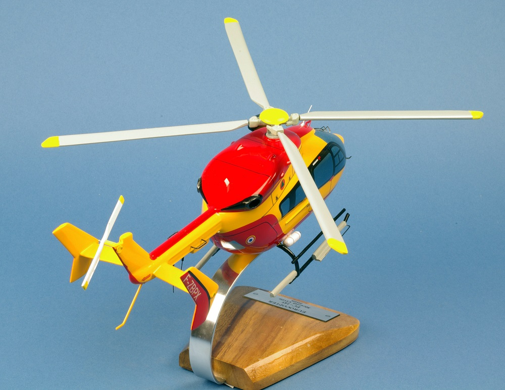 Maquette Hélicoptère EUROCOPTERE EC-145 Dragon pompiers