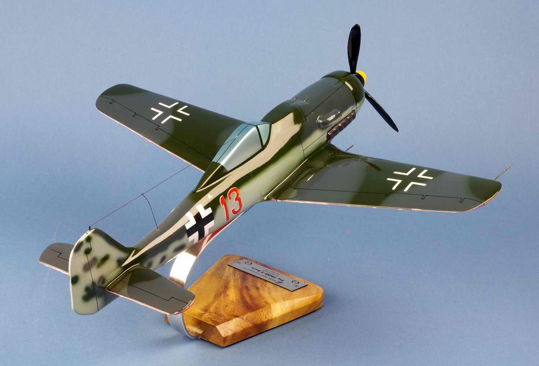 Maquette Avion De Chasse Focke-Wulf 190-D9 Jagdverband JV44 Oblt Klaus Faber 1/24