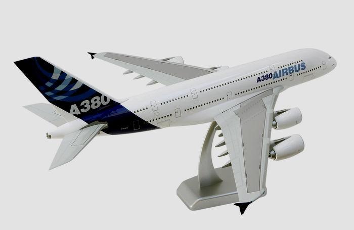 maquette Aribus A380-800 Airbus Industries 1/200