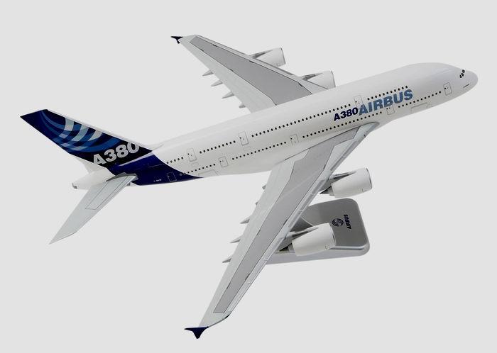 maquette Airbus A380-800 AirbusIndustries 1/200