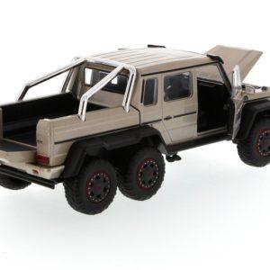 MERCEDES BENZ G63 6x6 AMG Jurassic World 2015c