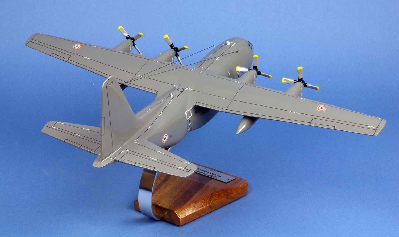 maquette avion transport C-130H Hercules ET.02/061 Franche Comté 1/80
