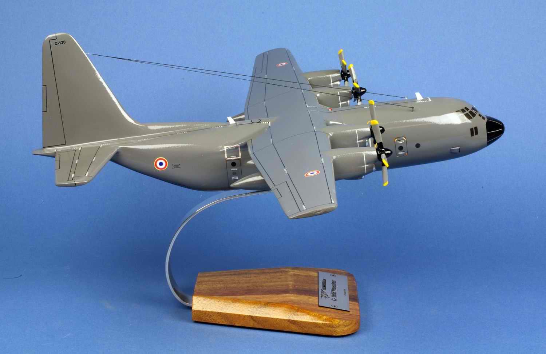 maquette avion transport Herculesc130 ET.02/061 Franche Comté 1/80