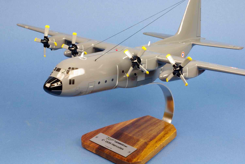 maquette avion transport C130H Hercules ET.02/061 Franche Comté 1/80