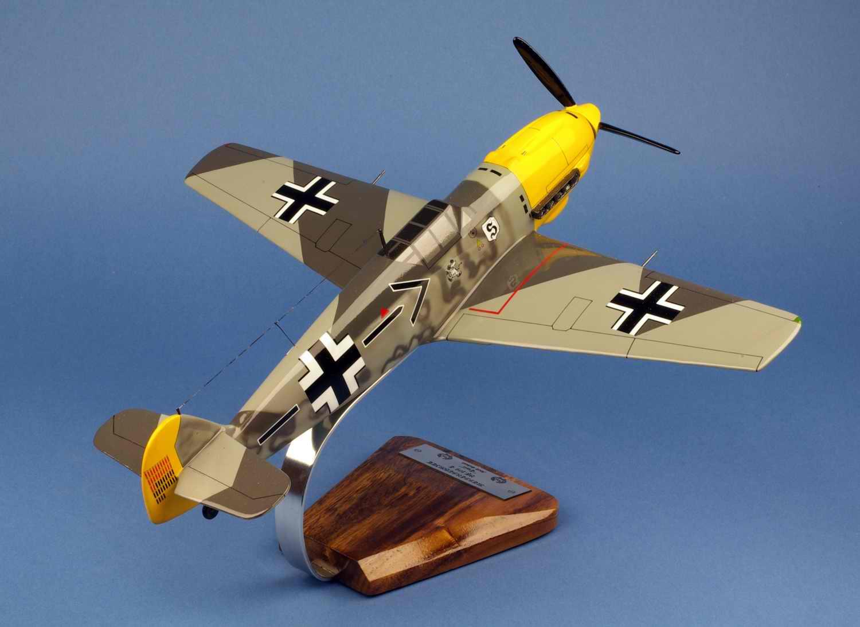 Maquette avion de chasse allemand Messerschmitt BF109E-4 Emil