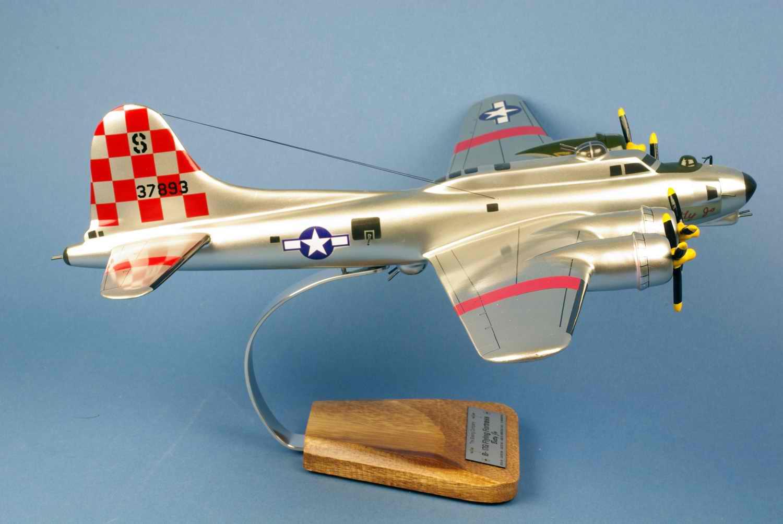 Maquette avion bombarder BOEING B17G Forteresse volante betty jo