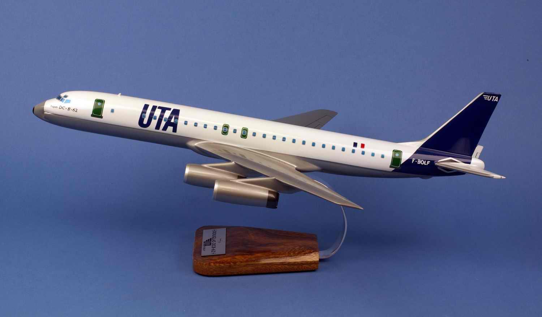 Maquette Avion Douglas DC8-62 UTA 1/100<